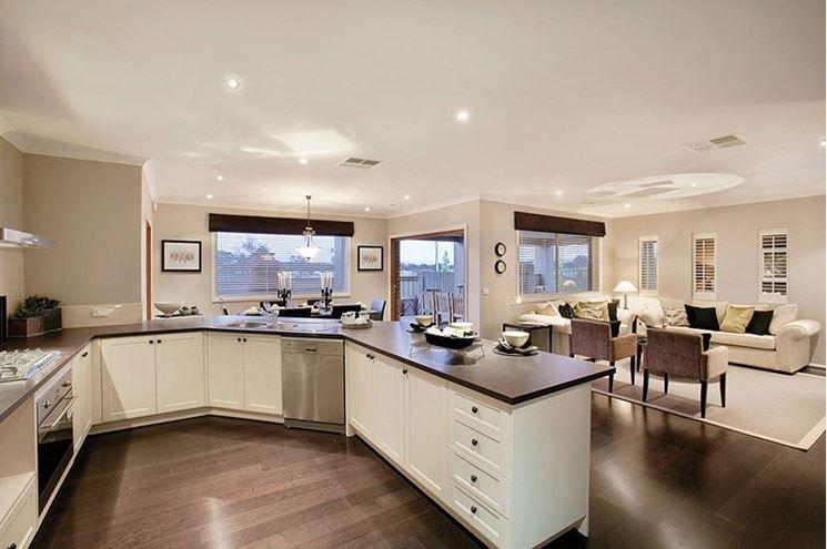 un esempio di cucina open space con penisola - Cucina Open Space