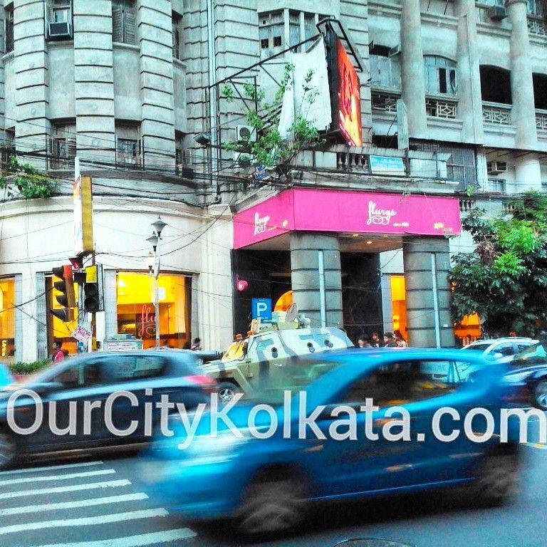 Flurys park street Kolkata http://ourcitykolkata.com/detail/flurys-kolkata-625.html #flurys #parkstreet #kolkataindia #kolkata #calcutta  #photoftheday #_soi #streetphoto #streetphotography #streetofindia #restaurant