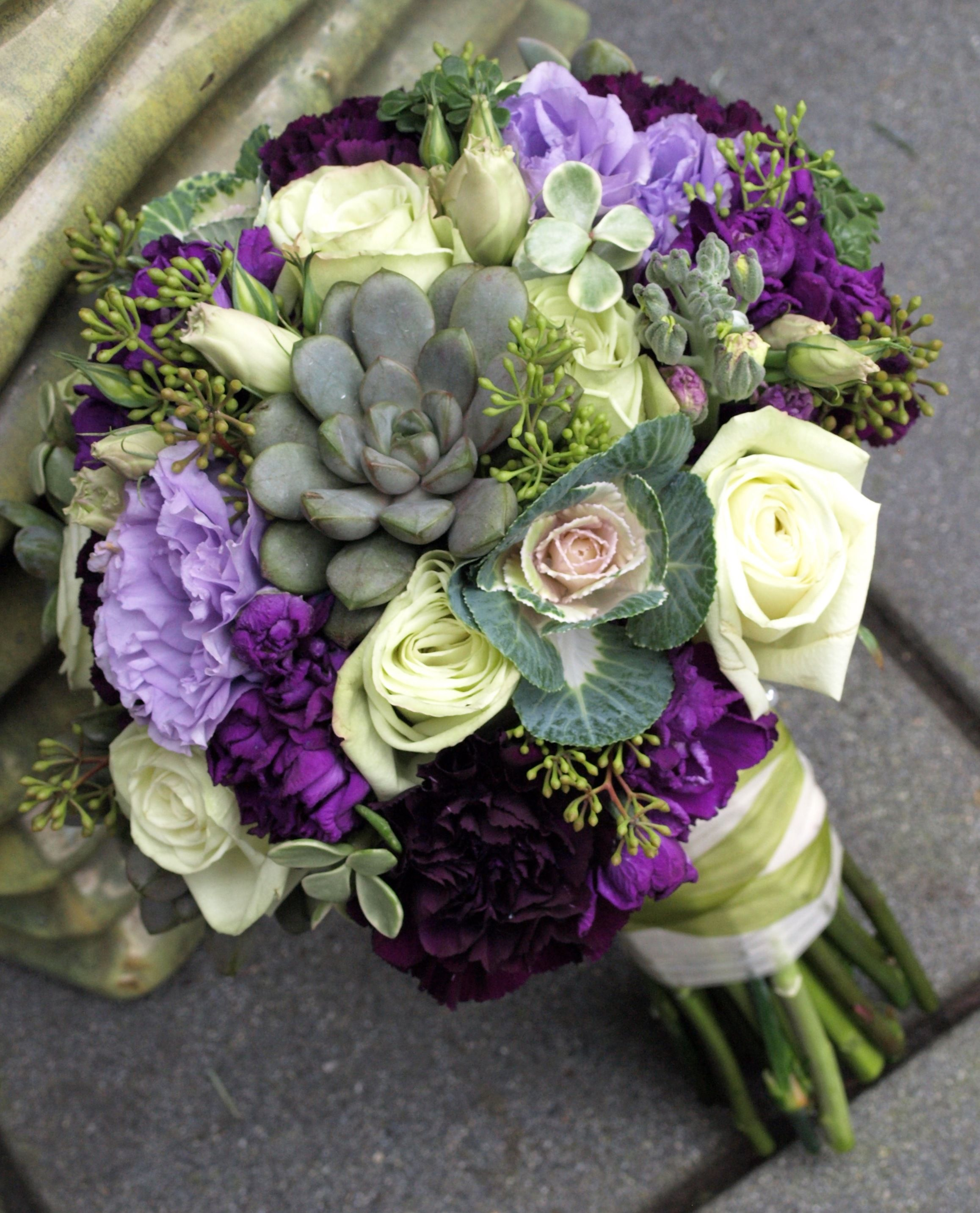 Succulent wedding bouquet, looks vibrant! Use flowers like