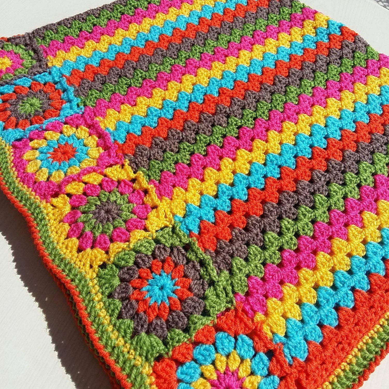 6 Colores En Esta Manta Que Mide Aproximadamente 36 De 42 Pulgadas Hice Una Combinacion De Rayas De La Abuela Y Adju Mantas Tejidas Colcha De Ganchillo Mantas