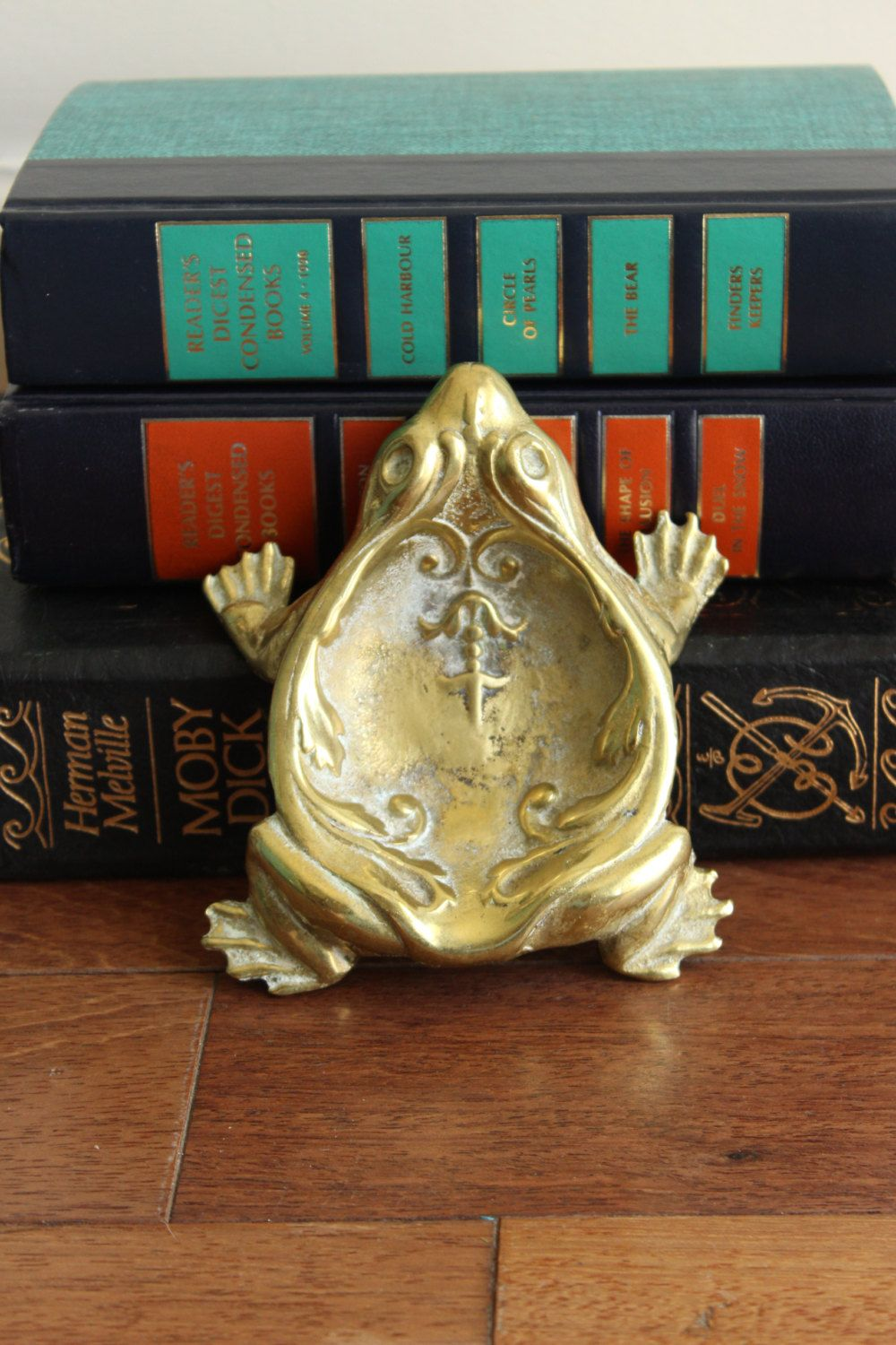 Brass Frog Dish by louloumint on Etsy https://www.etsy.com/listing/189013791/brass-frog-dish