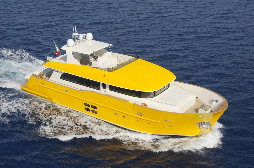 Yellow Yacht Google Search With Images Yacht Tug Boats Boat