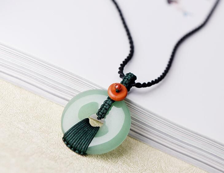 Charm Dongling jadees pendant safety buckle bone chain art small fresh fashion simple short necklace