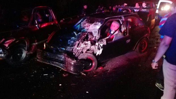 4 lesionados dejó encontronazo en Actopan - http://www.esnoticiaveracruz.com/4-lesionados-dejo-encontronazo-en-actopan/