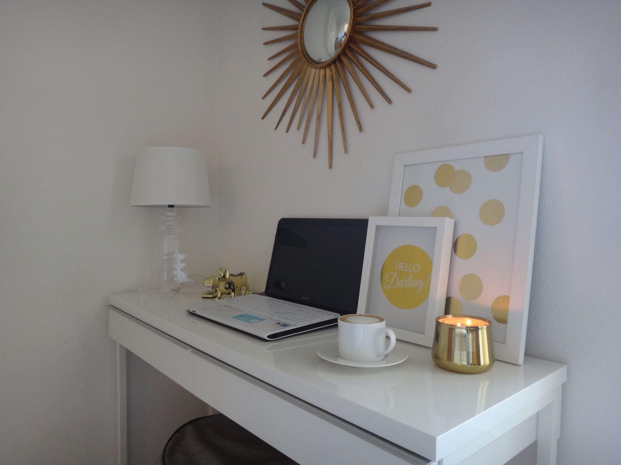 Desk Ikea Besta Burs The Mccarthy Suite Pinterest Desks  # Meuble Tv Ikea Besta Burs Noir