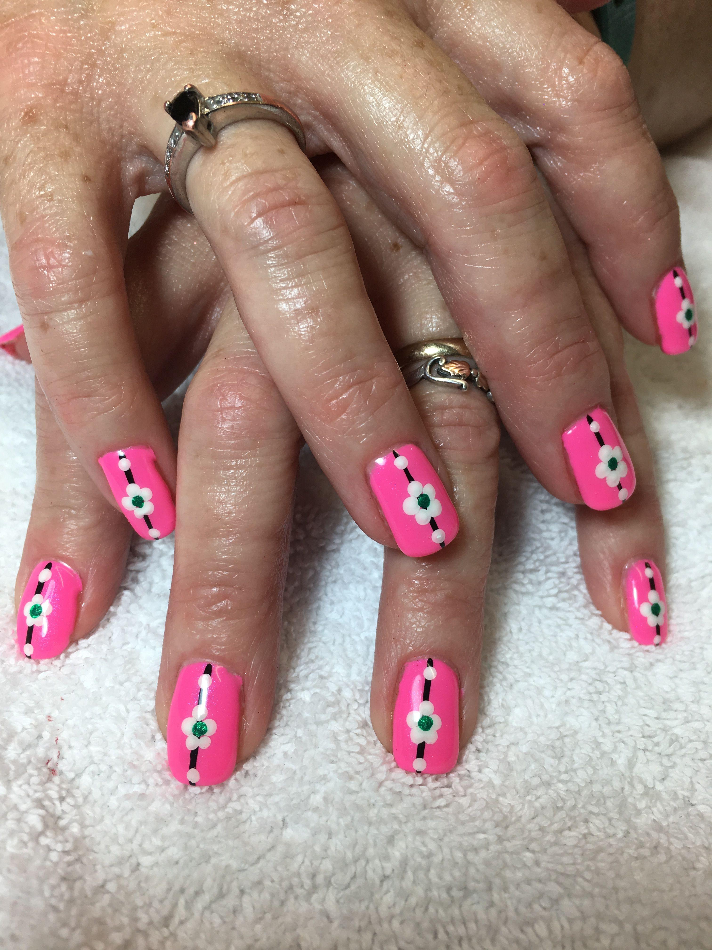 Simple flower nail design | Cheryls nail designs | Pinterest ...