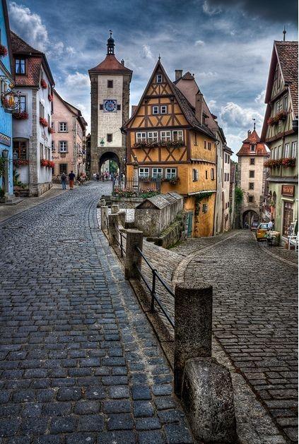 2018 年の rothenburg ob der tauber corner of the street
