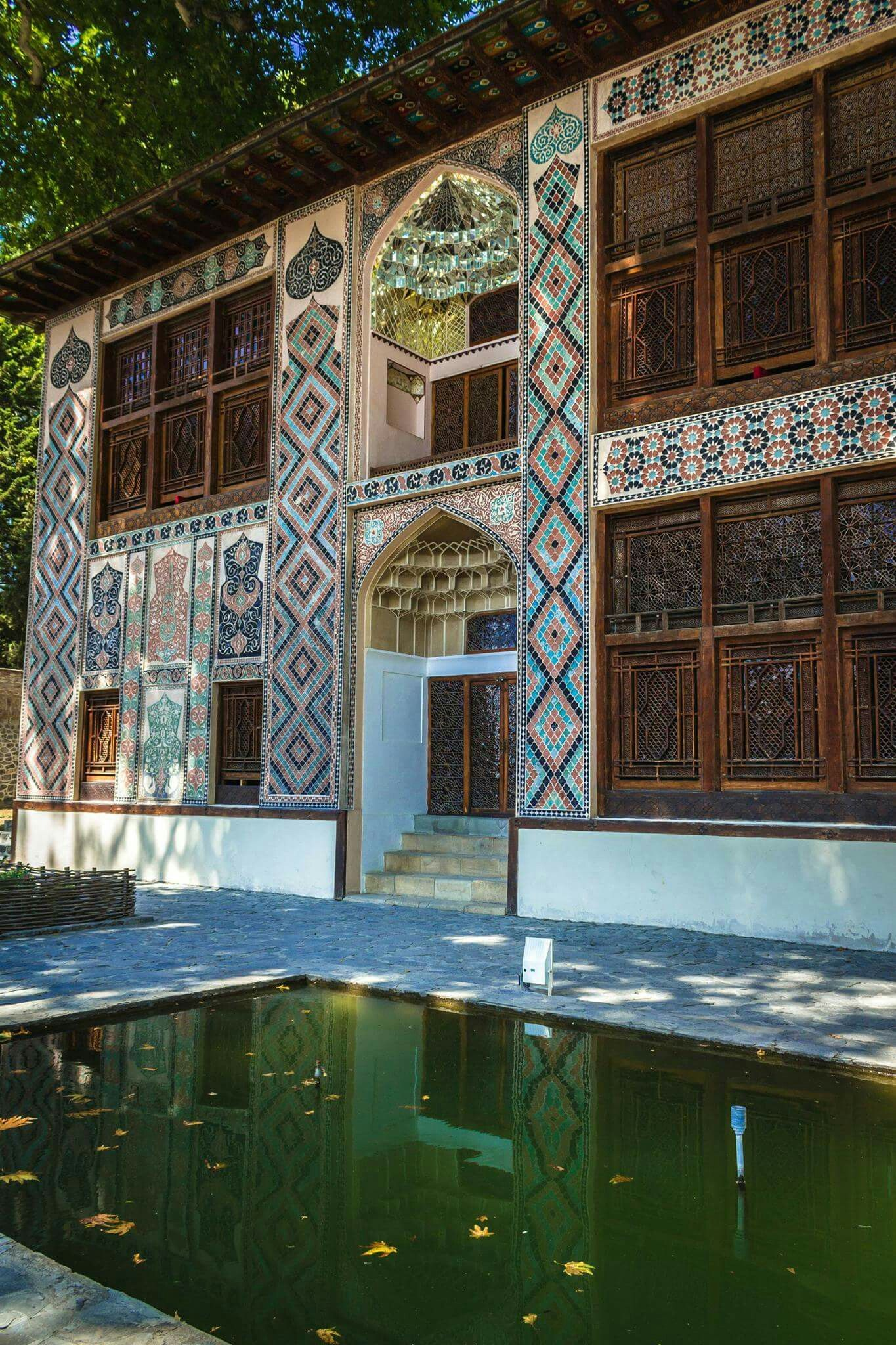 Səki Sheki Xan Sarayi Azerbaijan Iranian Architecture Best Places To Travel Baku Azerbaijan