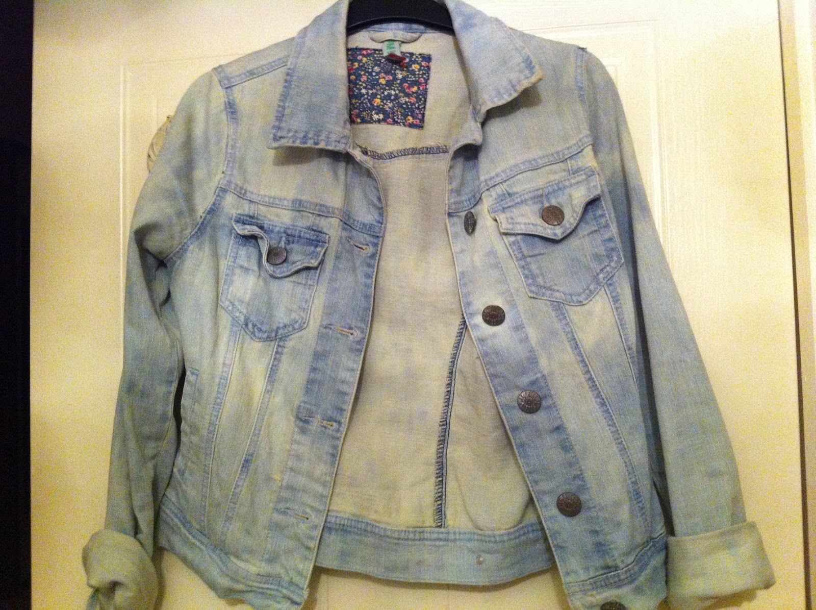 How To Lighten A Denim Jacket With Bleach I Seeing