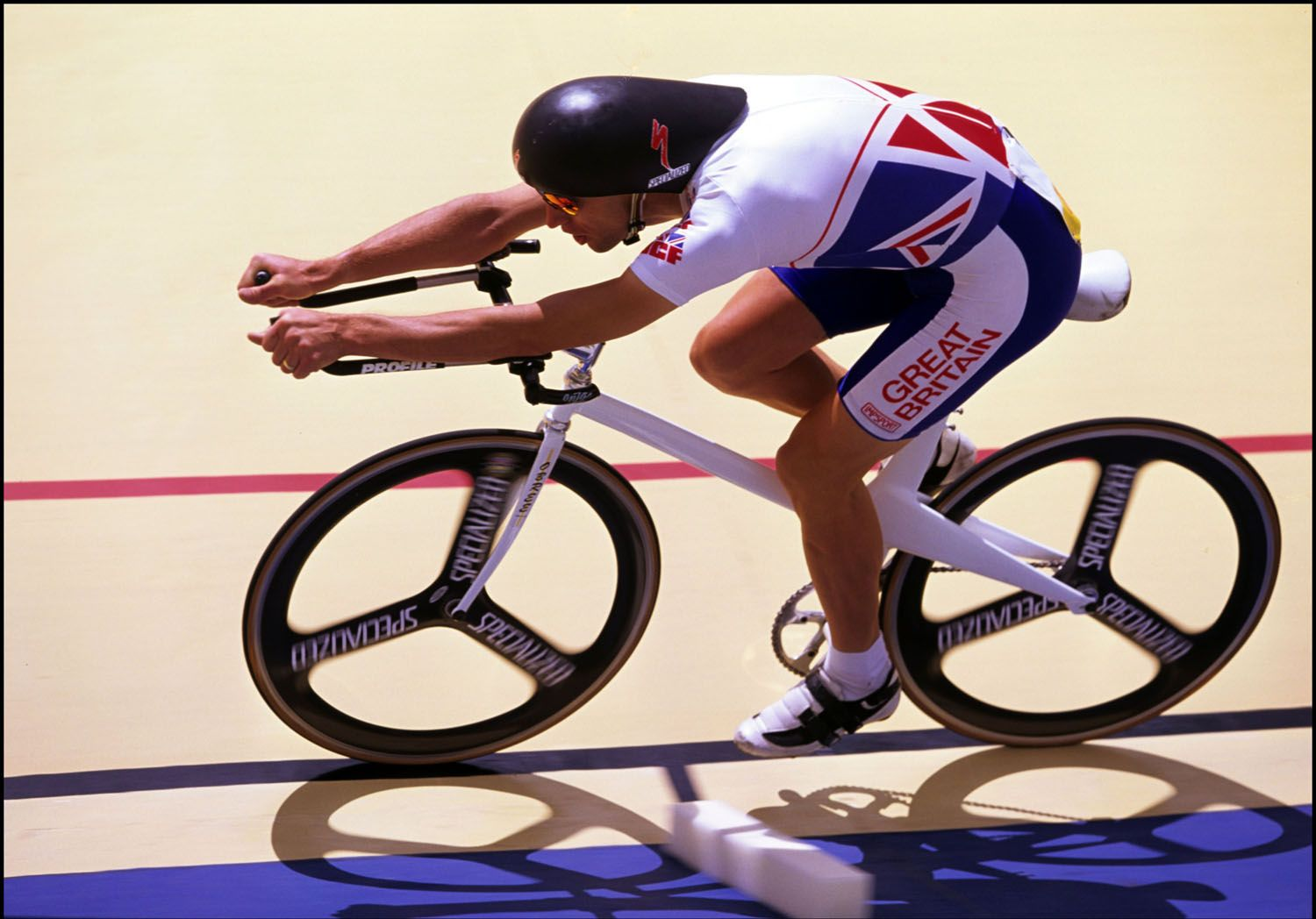 The (in)famous Superman position...world hour record