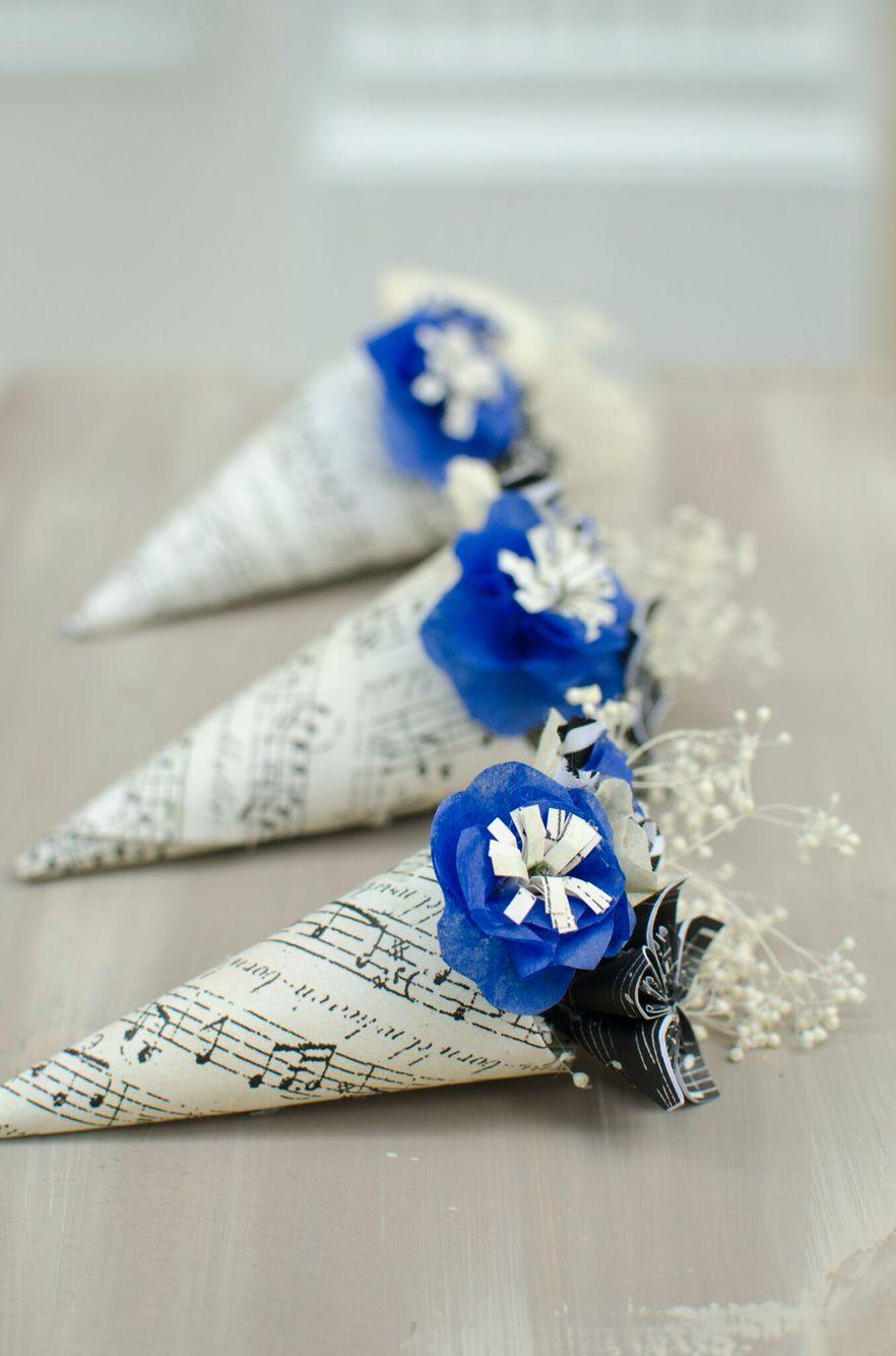 Paper boutonnières for a music lover. #papercraft #boutonniere #paperflowers #weddingaccessories