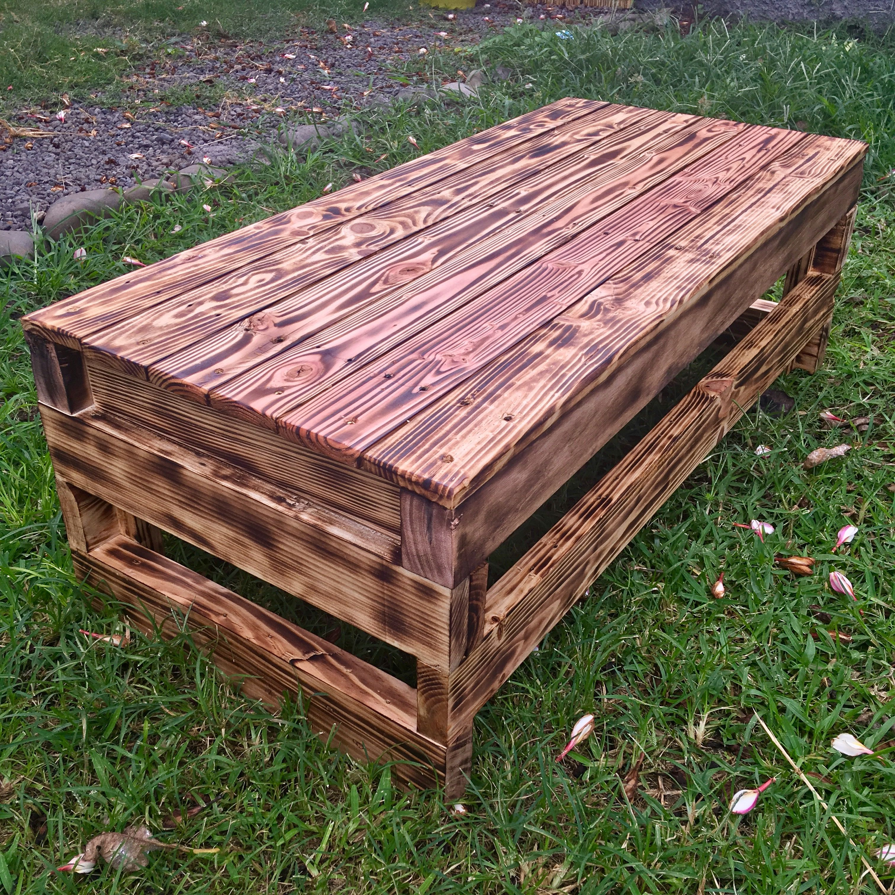 Table Basse Ou Banc De Jardin 110x50x35 With Images Pallet Coffee Table