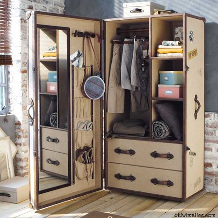 Quand les dressings se font la malle furnitures for Armoire sejour