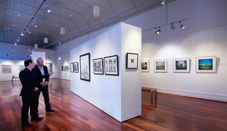 Art Gallery Lighting Systems