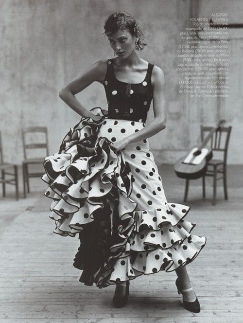 """Escuela Flamenca"", Vogue Spain, December 1998 Model: Laura Ponte"