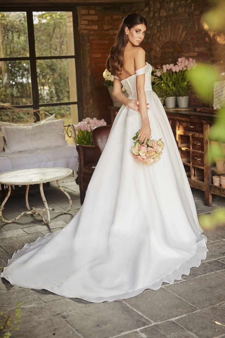 La Collezione Di Francesca Piccini Bridal Tra Romanticismo E Magia Abiti Da Sposa Sposa Abiti