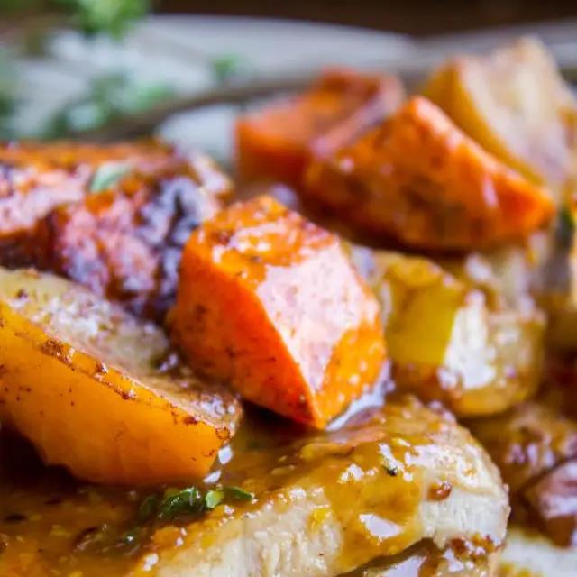 Pan Seared Pork Chops with Apple Cider Glaze #appleciderchicken