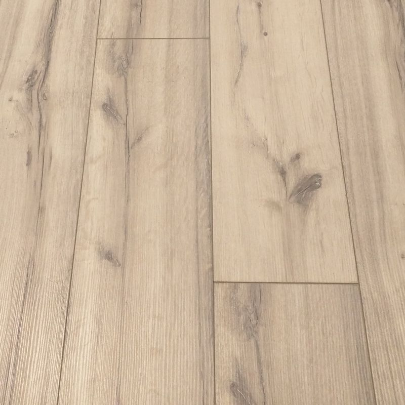 Laminateg5 Kronolaminate My Chalet 10mm Vermont Oak In 2020 Laminate Flooring Vermont Laminate