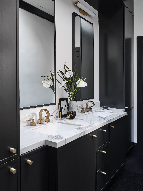Ashland Midsummers Night Master Bathroom Vanity Area in