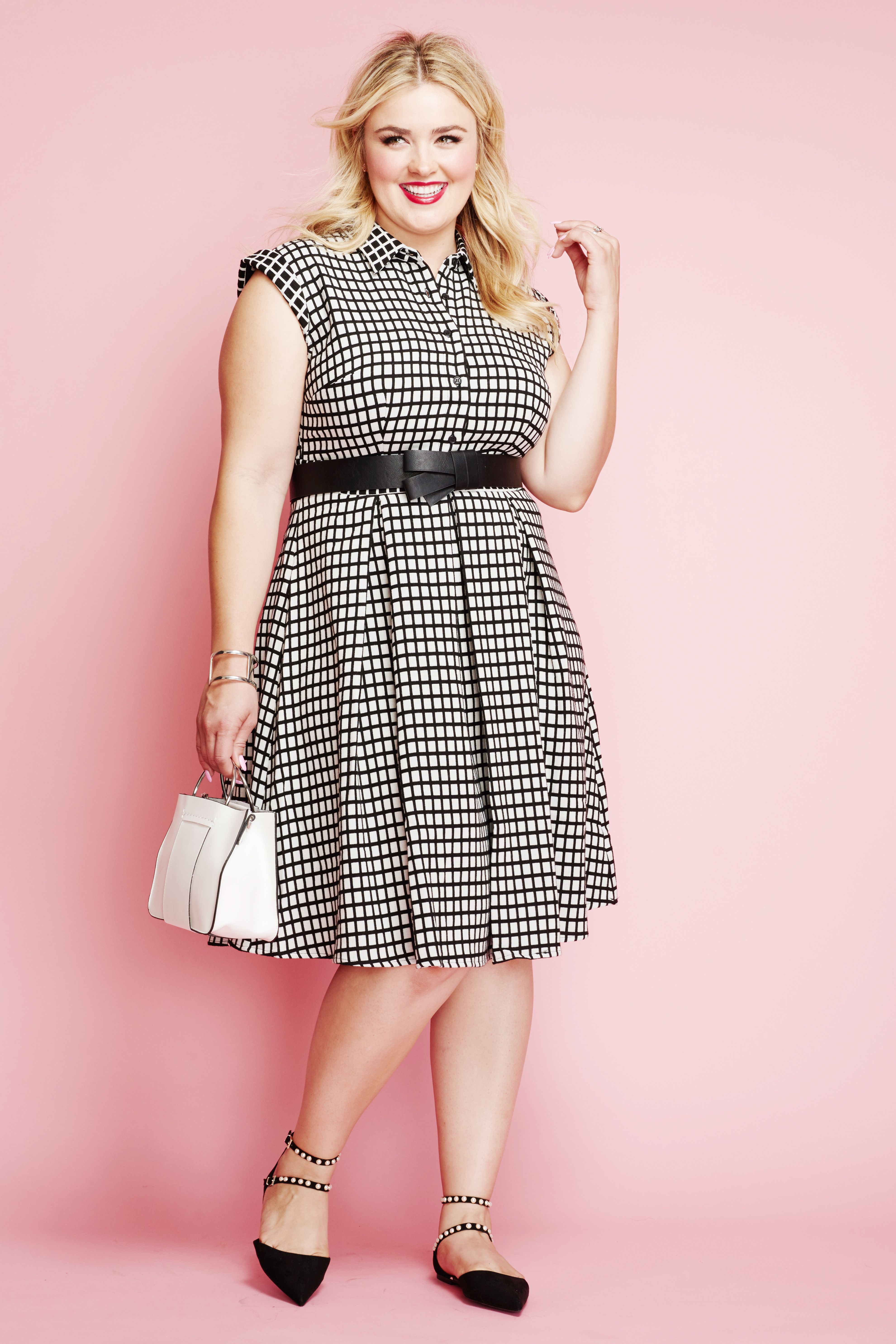 eb71f4f061 Plus Size Fashion OOTD  Classic black and white is always an appropriate  color palette for spring.