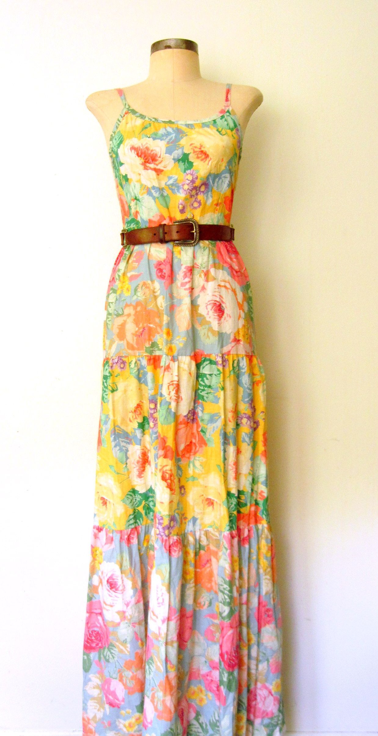So many flowers! ✸ 1970s COUNTRY ROSE Tiered Cotton Sun Dress by Lolavintage.com