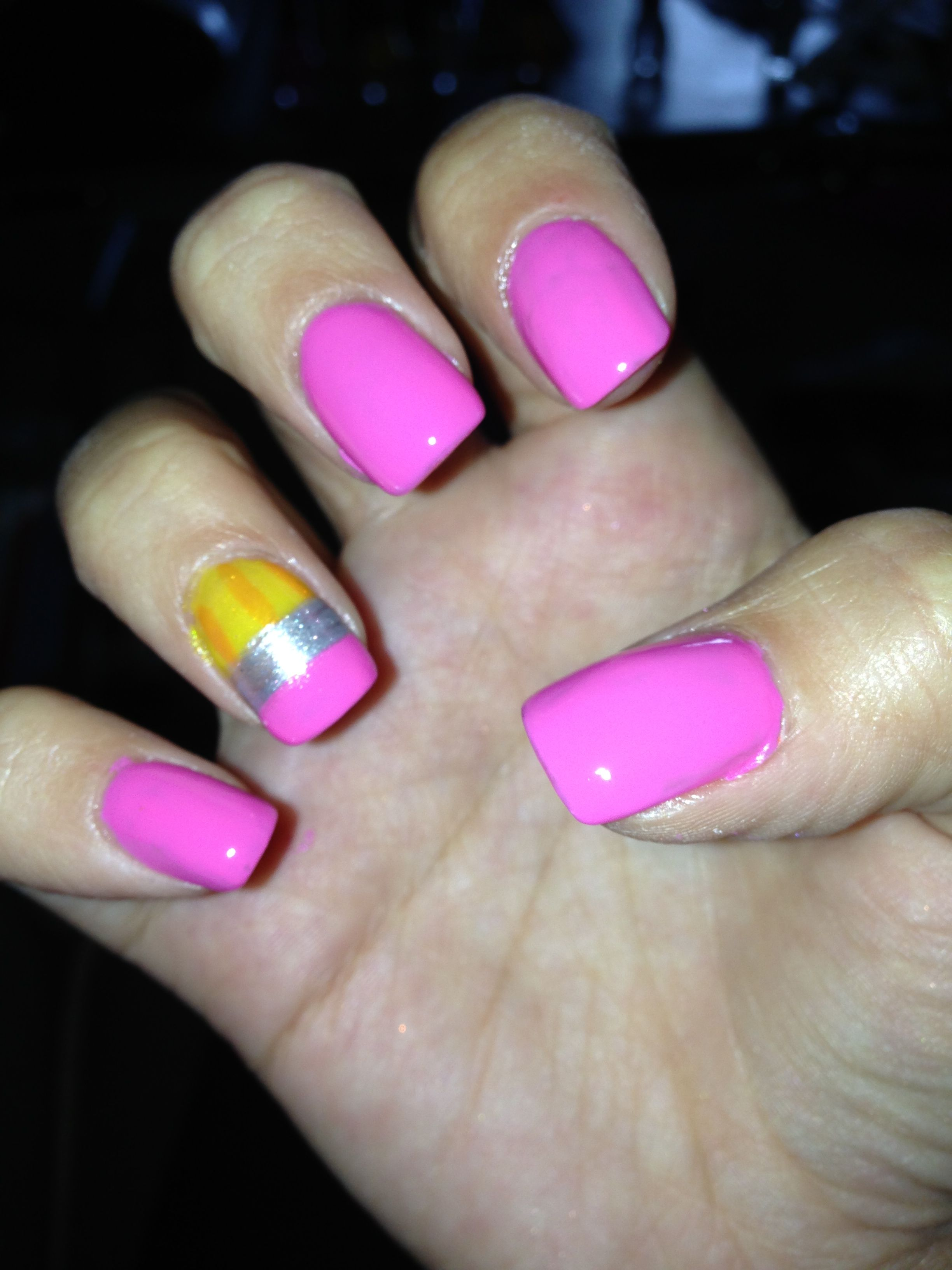 Pencil back to school nails
