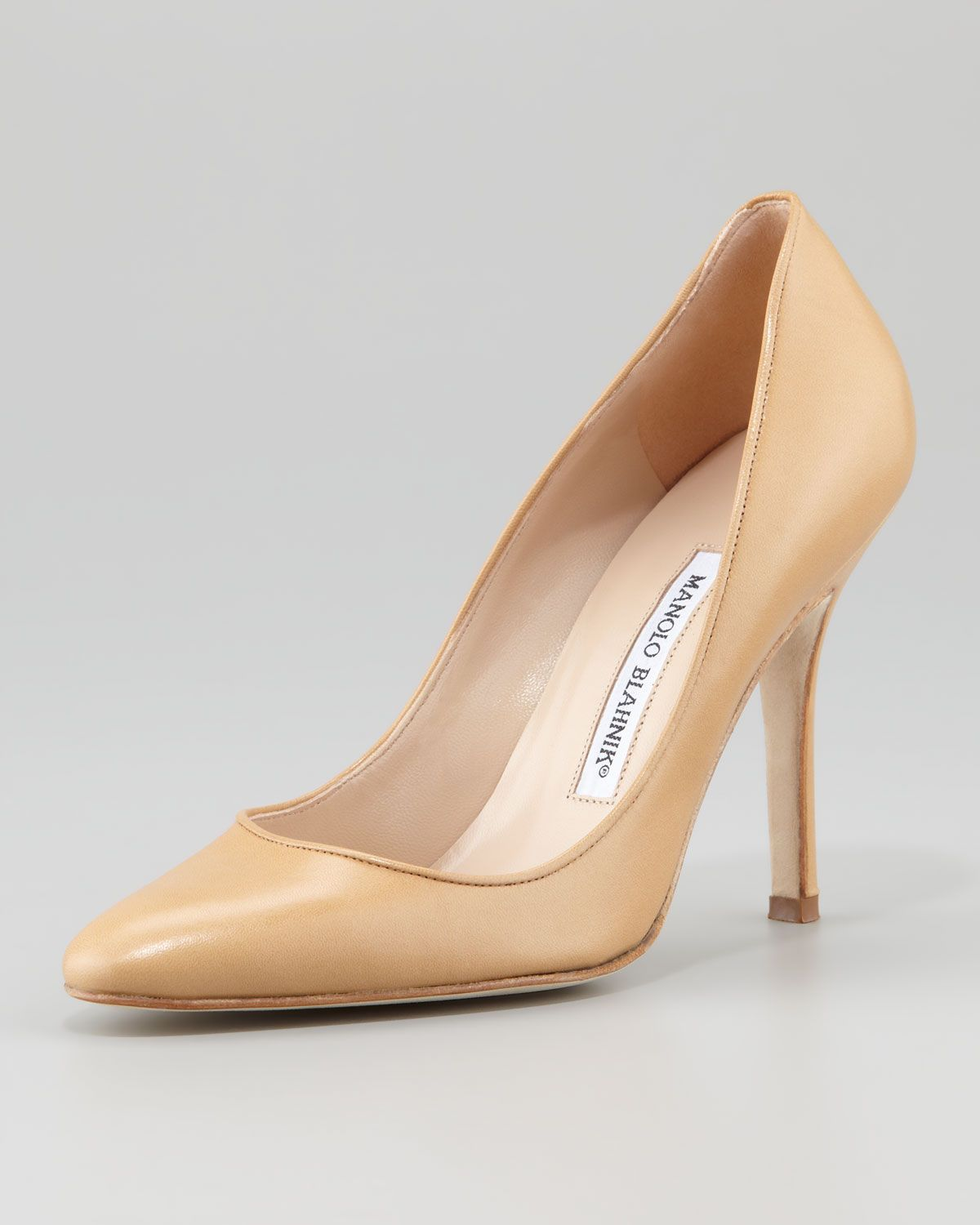 Manolo Blahnik Tuccio Pointed-Toe Pumps free shipping extremely 4OfwlBU