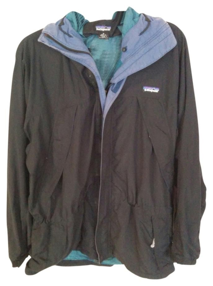 ed4cdd963 Free shipping and guaranteed authenticity on Patagonia Vintage Retro Windbreaker  Anorak Raincoat at Tradesy. Vintage Patagonia Retro Windbreaker Anorak.