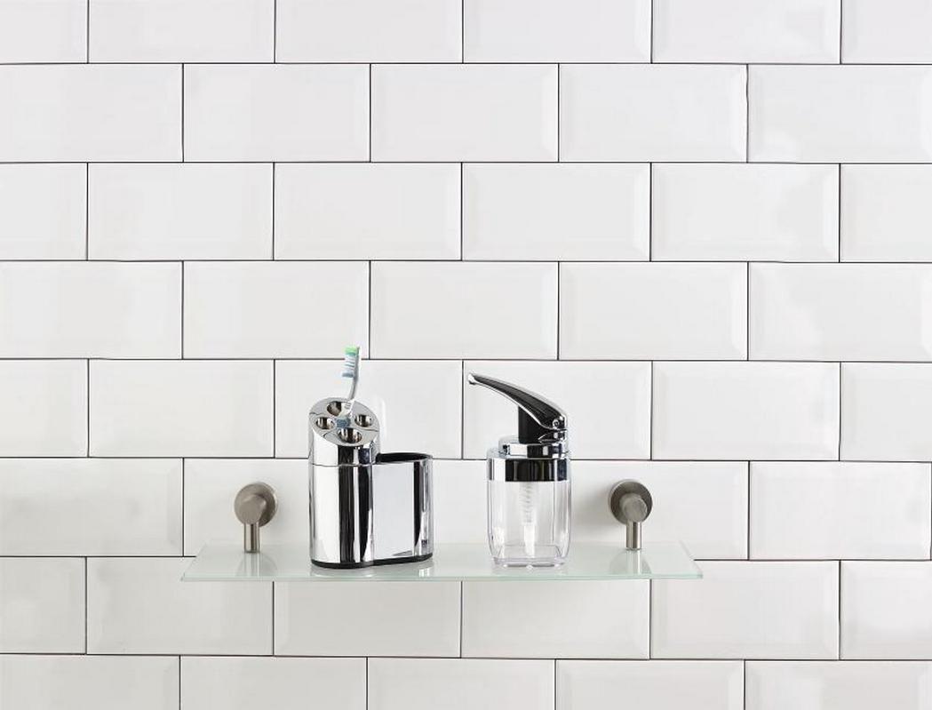 Simplistic bathroom accessories | Faianța metrou | Pinterest ...