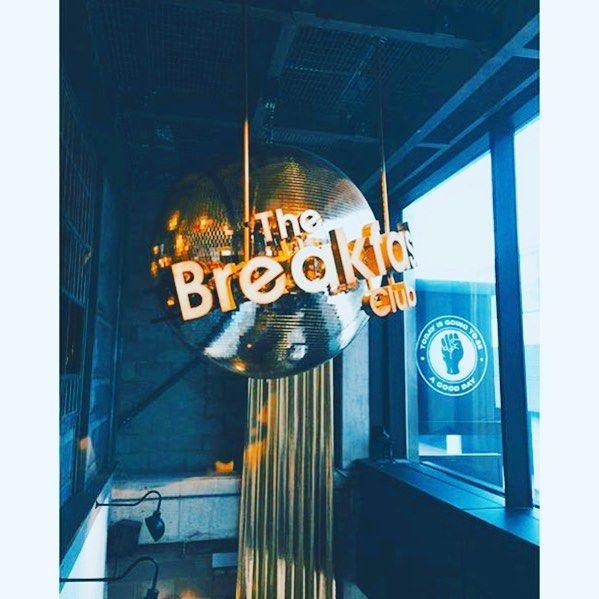 @thebrekkyclub  #BreakfastClub #Canary #Wharf #London #Lunch #Food #Foodie by shazanq