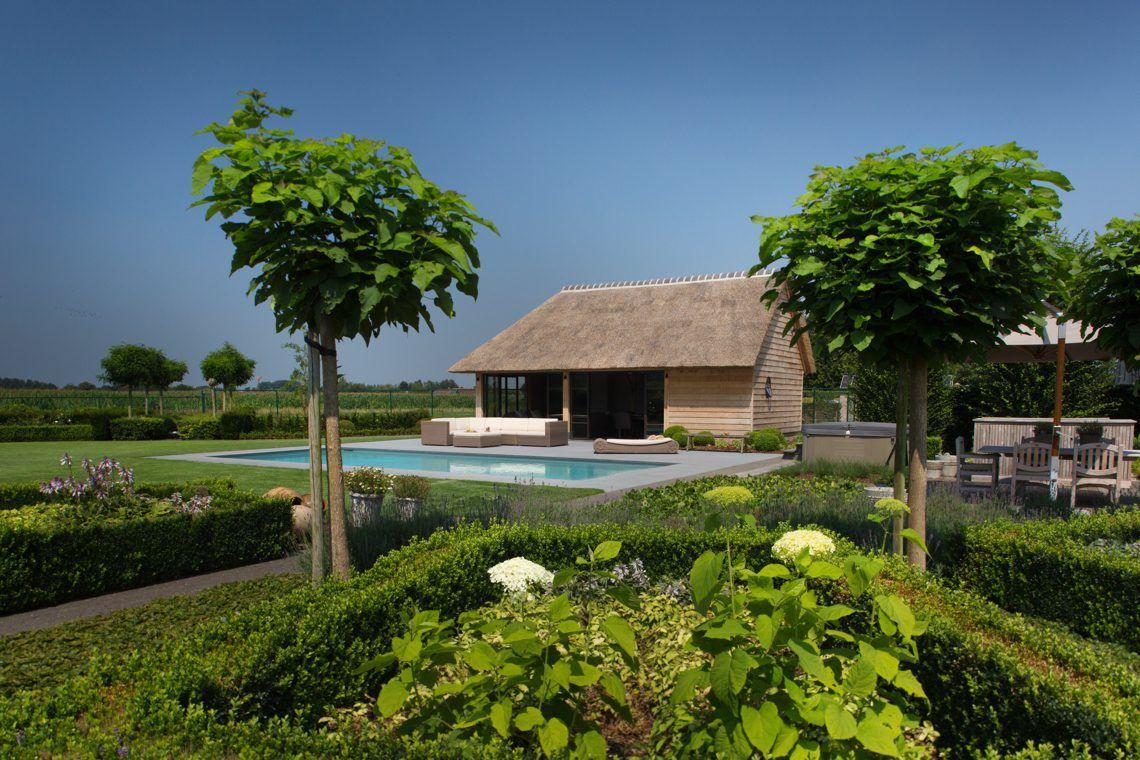 T landhuys exclusieve houten bijgebouwen eiken bijgebouw poolhouse