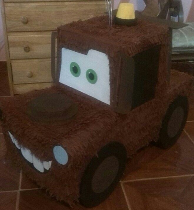 Pinata De Mate Cars Pinatas Y Cajas De Regalos Pinterest Cars
