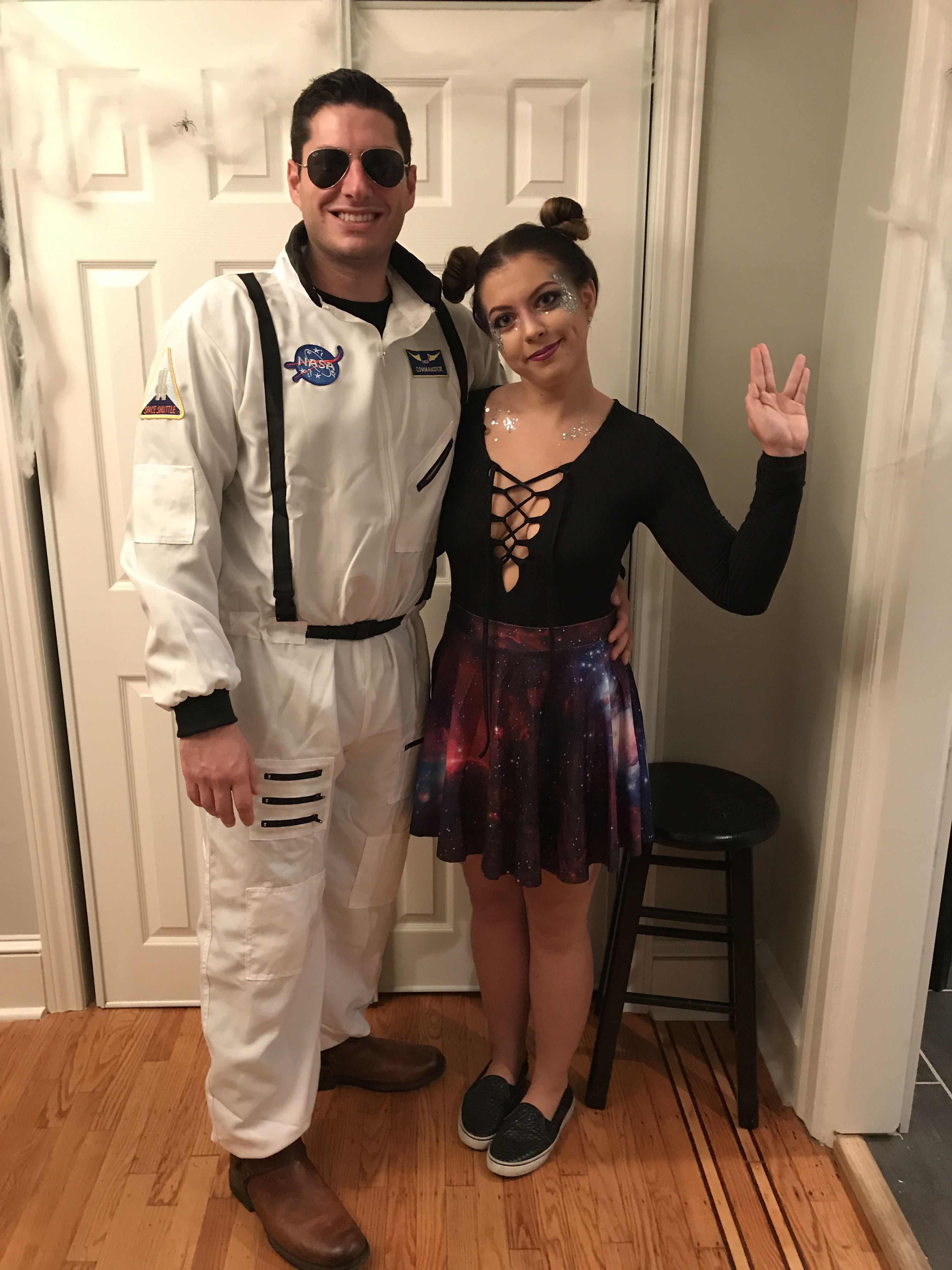 Alien and astronaut couple costume   Cute couples costumes ...