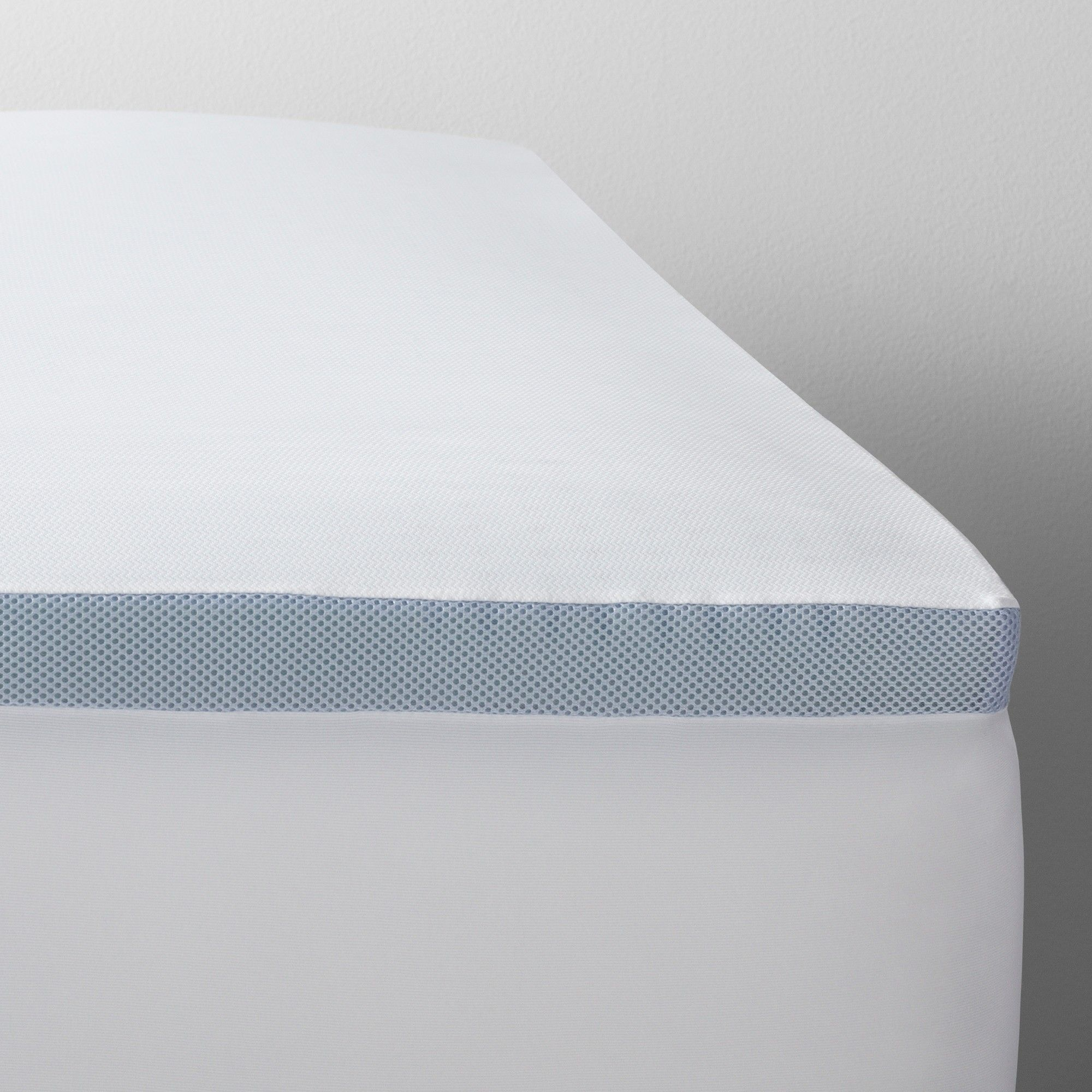 Full 2 Cooling Gel Mattress Topper White Made By Design Gel