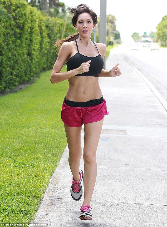 Photo By Ralph Notaro Staying Fit The Teen Mom Star Showed Off Her Toned Tummy Muscles And Slender Legs As She Took A Jog Around Palm Beach Gardens