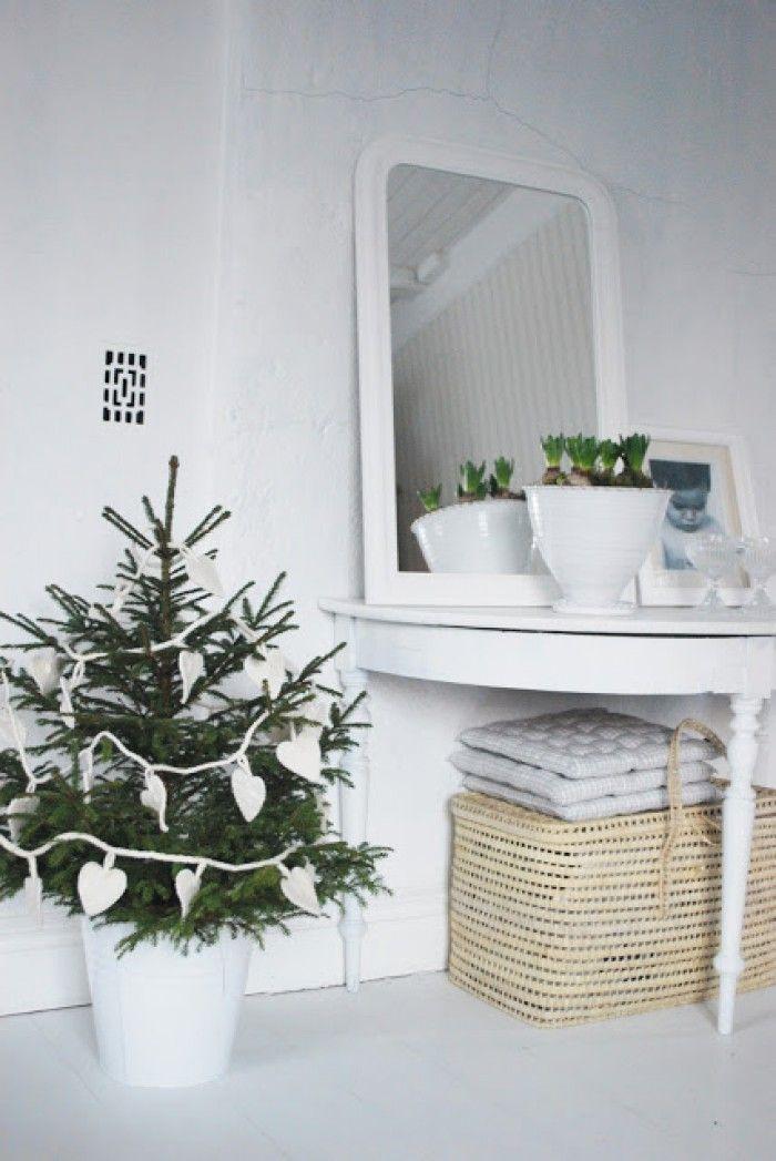 Kerstboom In Pot.Mooie Stijlvolle Kerstboom In Pot Kerst Scandinavian