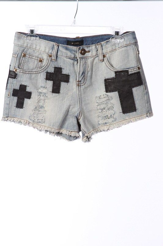 VINTAGE CROSS PATCH DENIM SHORTS $25 via @Shopseen