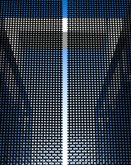 Painted black stainless steel wire mesh panels. HAVER ...