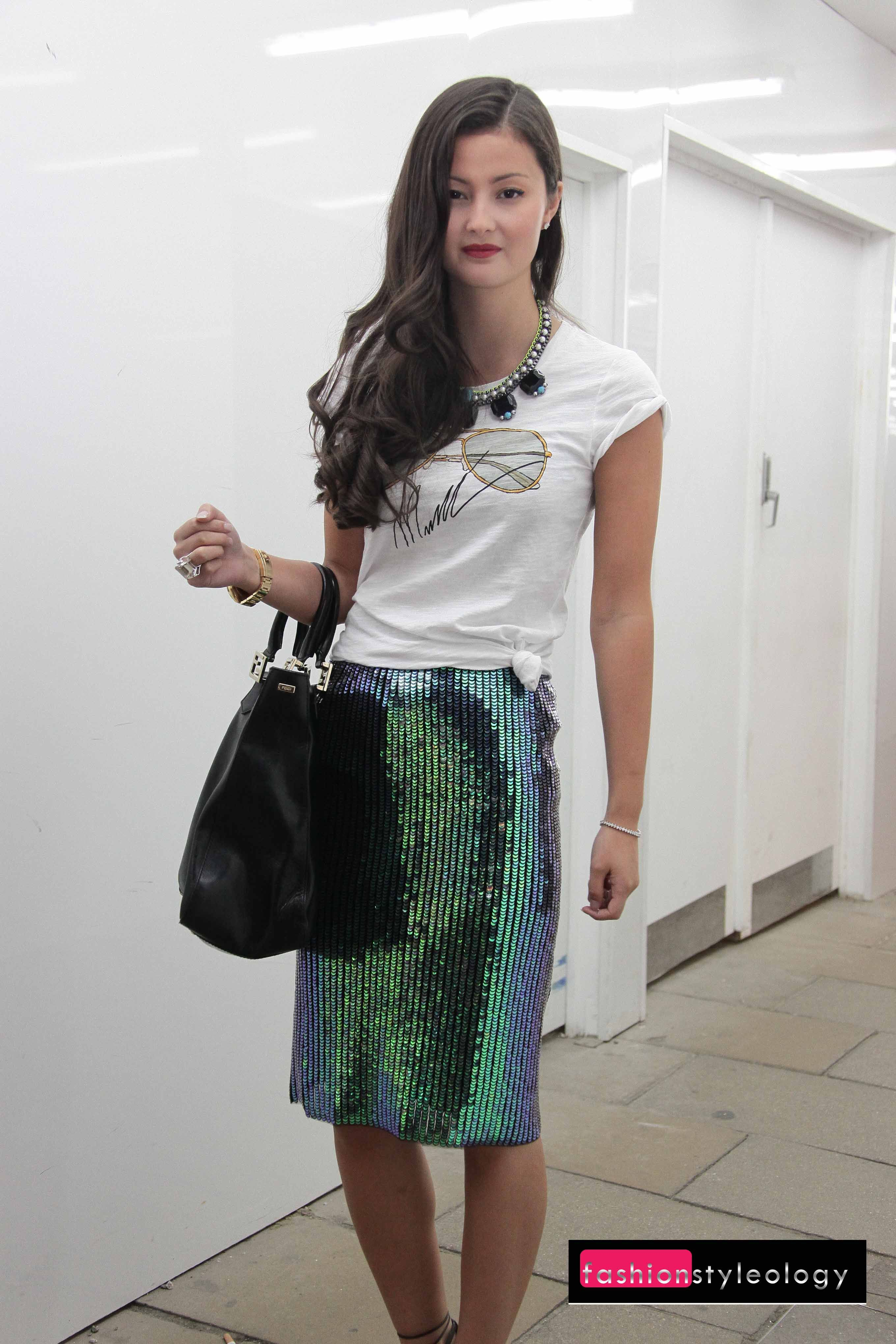 Green sequin skirt with T-shirt | Rustic Chic Style II | Pinterest ...