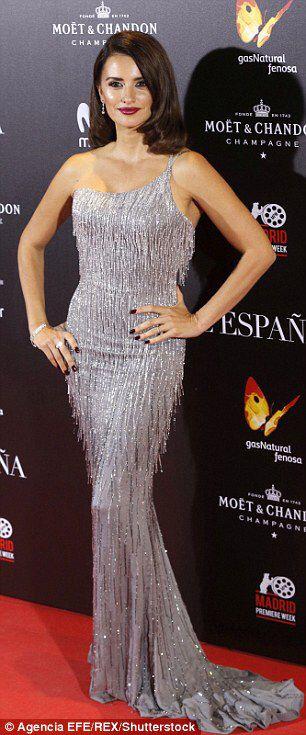 Penelope and Monica Cruz spair up forLa Reina de Espana premiere #dailymail