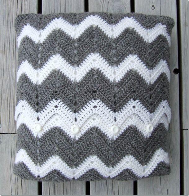 actual pattern for a crochet chevron pillow cover | Crochet ...