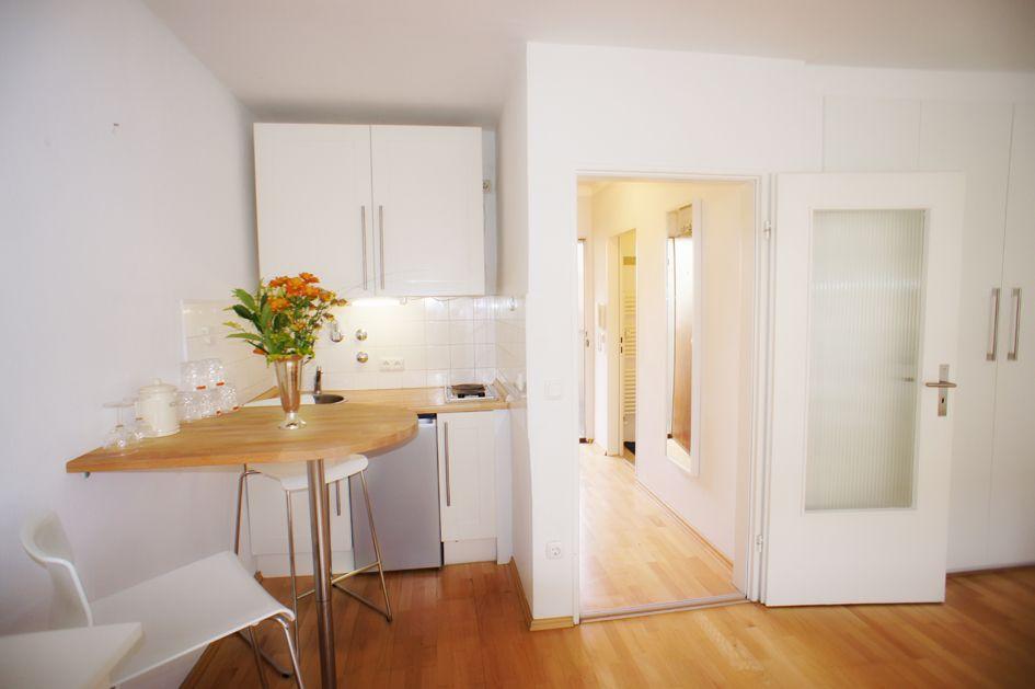 Komplett Eingerichtetes Apartment Mitten In Schwabing An Der Munchner Freiheit Zu Vermieten Wohnung Mieten Schwabing Wohnungssuche Munchen
