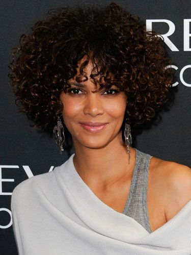 African American Summer Hairstyles 1 Black Celebrity Hairstyles For Summer Real Beauty Short Natural Curly Hair Halle Berry Hairstyles Stylish Hair