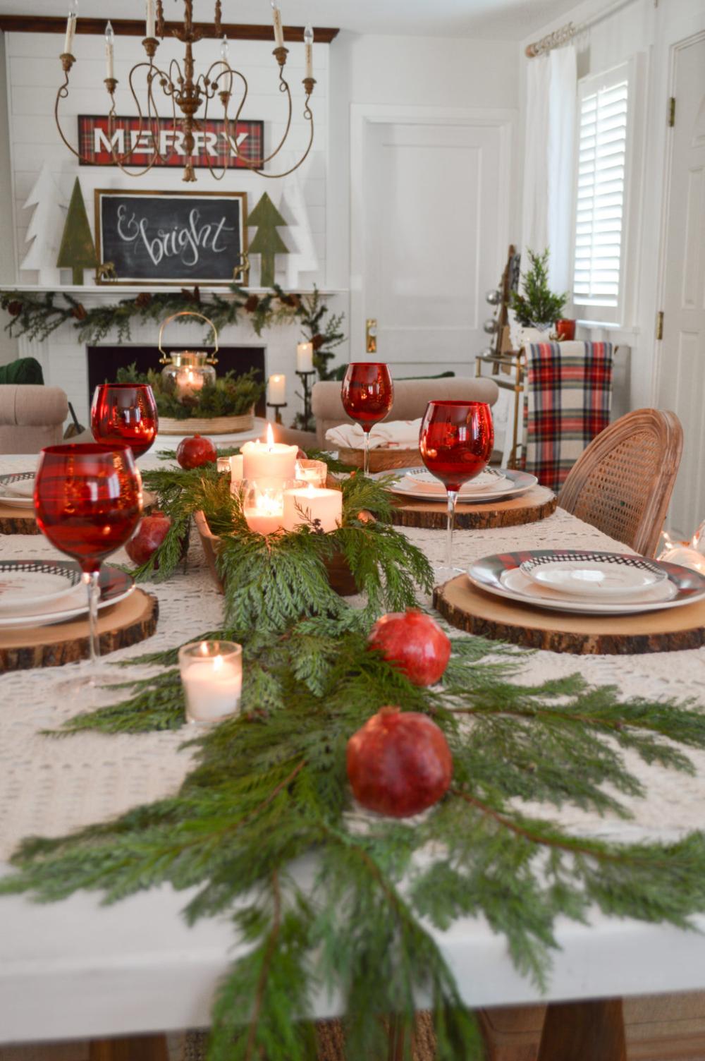 Simple Fresh Cedar Plaid And Pomegranate Christmas Table Cottage Farmhouse Style Christmas Dinner Table Christmas Table Decorations Holiday Table Settings