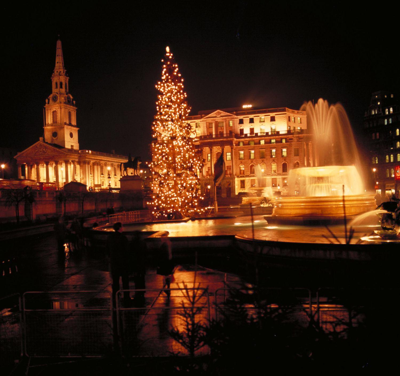 Trafalgar Square London christmas, Cool places to visit