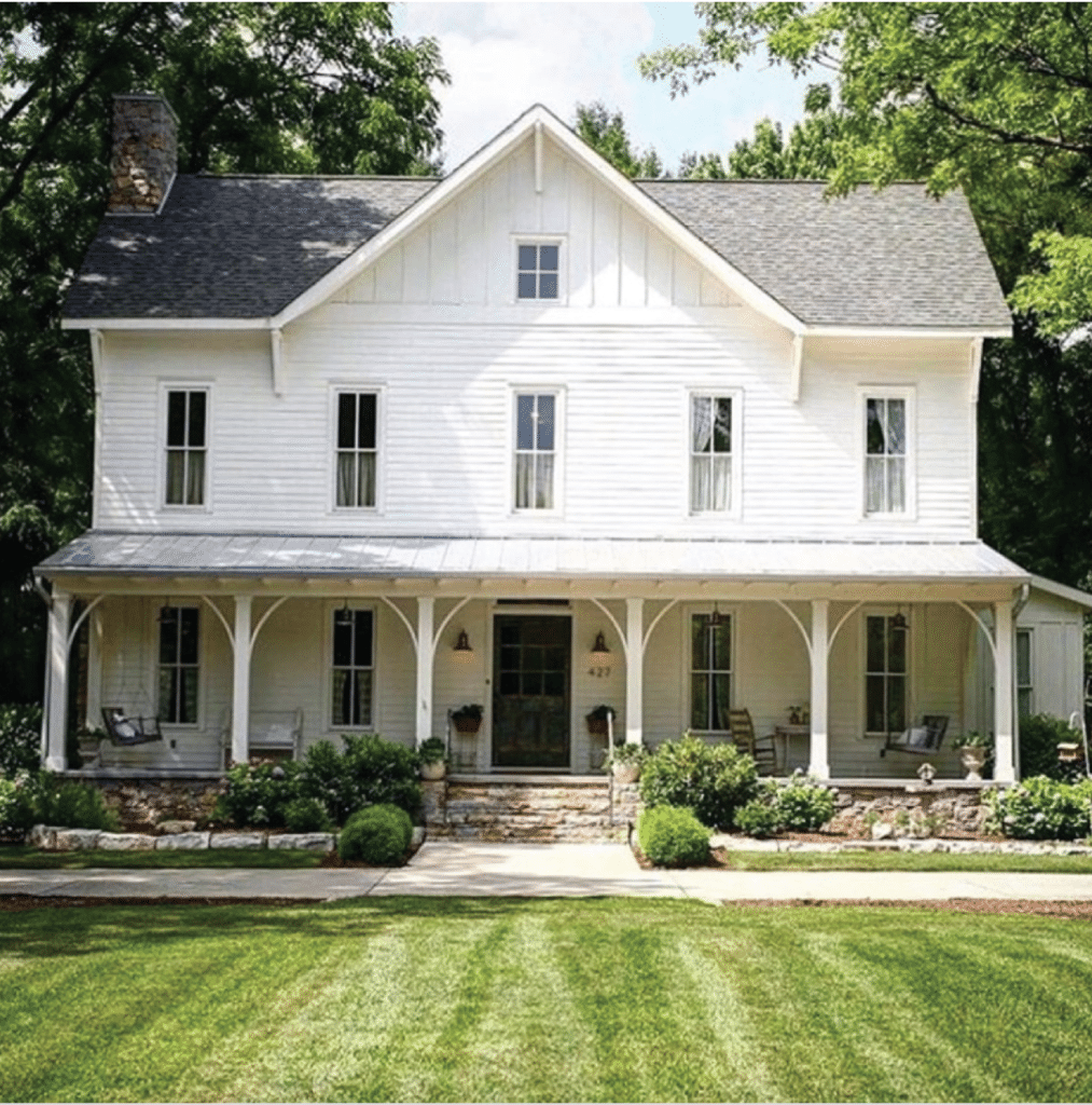 The Best Classic White Farmhouse Inspiration