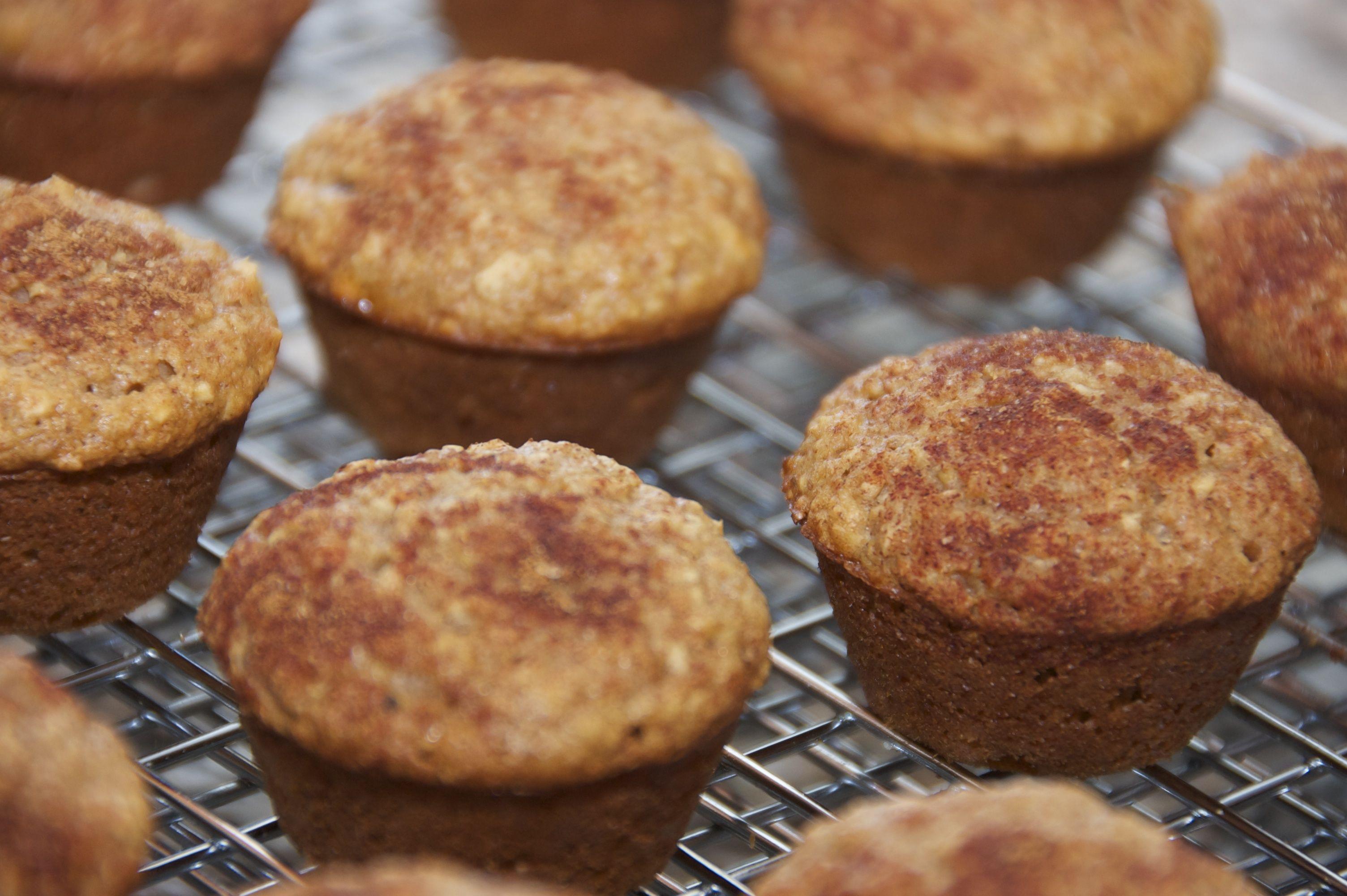 recipe: applesauce-oat muffins [14]