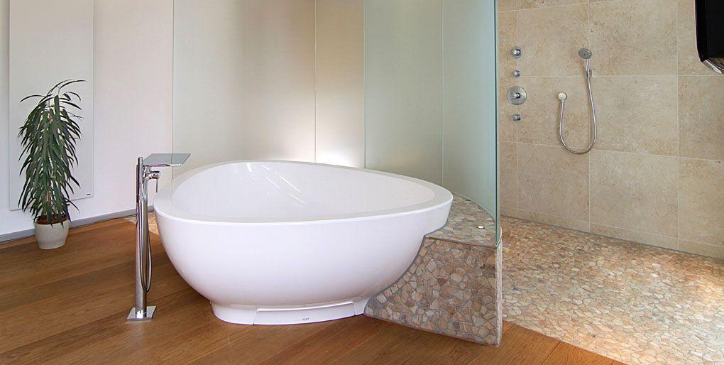 badezimmer holzboden fliesen. Black Bedroom Furniture Sets. Home Design Ideas