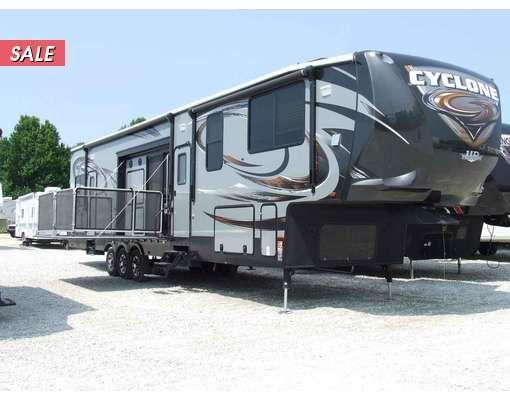 2015 Cyclone 4200 Fifth Wheel   Heartland rv, Toy hauler ...