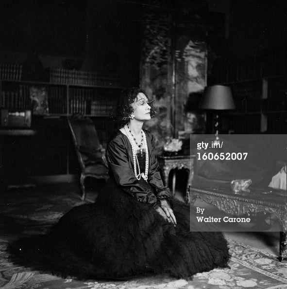News Photo: Coco Chanel Paris 1950 Coco CHANEL styliste franaise…